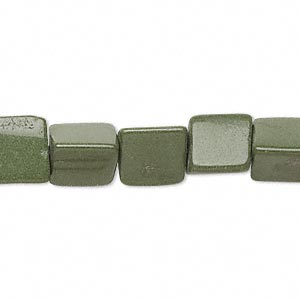 bead, forest green serpentine (natural), 8x8x8mm-10x10x10mm triangle, c- grade, mohs hardness 2-1/2 to 6. sold per 15-inch strand.