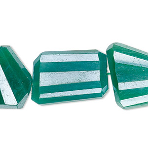 bead, green onyx (dyed / coated), luster, medium to large hand-cut faceted flat nugget, mohs hardness 6-1/2 to 7. sold per 8-inch strand.