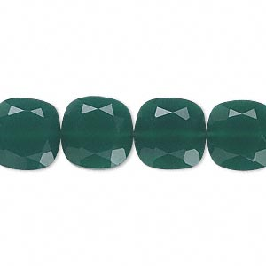 bead, green onyx (dyed), 12x12mm hand-cut faceted flat square, b grade, mohs hardness 6-1/2 to 7. sold per pkg of 10.