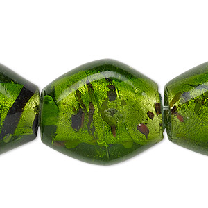 bead, lampworked glass, transparent apple green / red / dark purple with silver-colored foil, 25x22mm-27x24mm flat diamond with confetti dots and lines, 2-5mm hole. sold per 15-inch strand.
