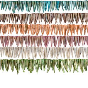 bead mix, mother-of-pearl shell (natural / dyed), mixed colors, 21x6mm-43x11mm shark tooth, mohs hardness 3-1/2. sold per pkg of (6) 16-inch strands.