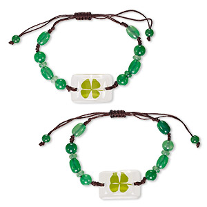 bracelet, resin / 4-leaf clover / cotton, green / clear / brown, 8mm round / 10x7mm oval / 28x19mm domed rectangle, adjustable from 5-9 inches with macrame knot closure. sold per pkg of 2.