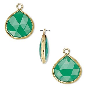 drop, green onyx (dyed) and gold-finished sterling silver, 15x15mm double-sided faceted teardrop. sold per pkg of 2.
