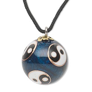 necklace, cloisonne, nylon / enamel / gold-finished steel / silver- / copper-plated steel, blue / black / white, 22mm round with yin-yang design and chime, 26-inch continuous loop. sold individually.