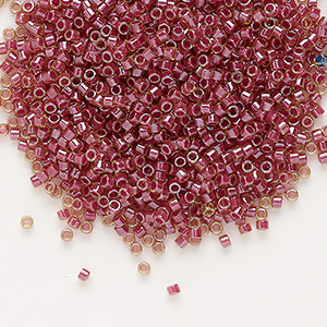 seed bead, delica, glass, color-lined rhubarb, (db283), #11 round. sold per 7.5-gram pkg.