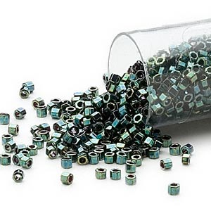 seed bead, delica, glass, opaque metallic luster forest green, (db27cut), #11 cut. sold per 7.5-gram pkg.