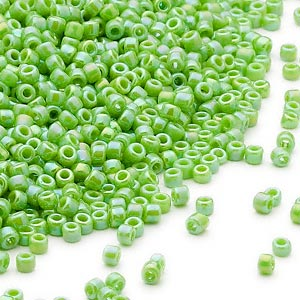 seed bead, dyna-mites™, glass, opaque rainbow jade green, #11 round. sold per 40-gram pkg.