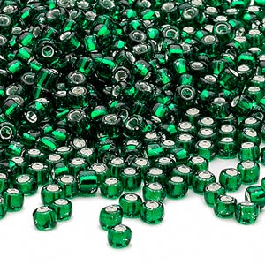seed bead, dyna-mites™, glass, silver-lined translucent emerald green, #6 round. sold per 40-gram pkg.
