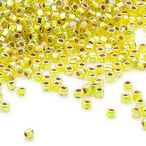 seed bead, dyna-mites™, glass, silver-lined translucent rainbow yellow, #11 round with square hole. sold per 40-gram pkg.