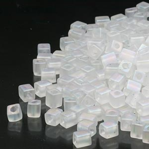 seed bead, miyuki, glass, transparent frosted rainbow clear, (sb131fr), 3.5-3.7mm square. sold per 25-gram pkg.